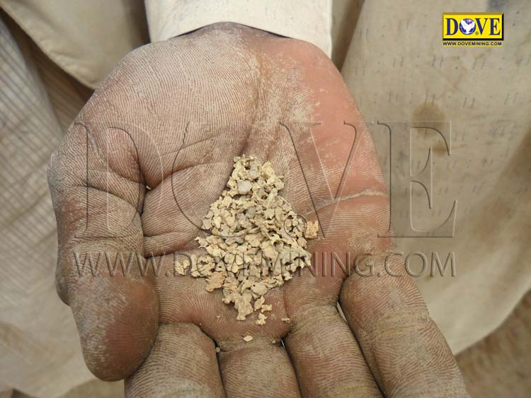 Gold mining in Sudan 2011